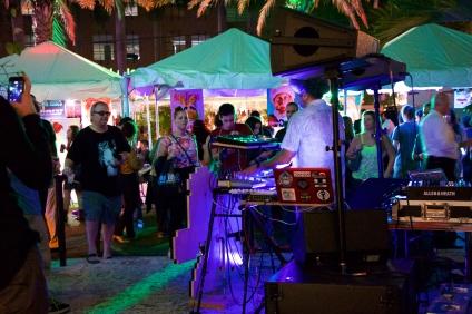 HOUSE MUSIC ALL NIGHT LONG....@ Artopia 7